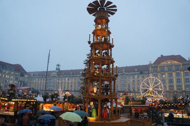 dresden xmas around the world in 80 jobs. Black Bedroom Furniture Sets. Home Design Ideas