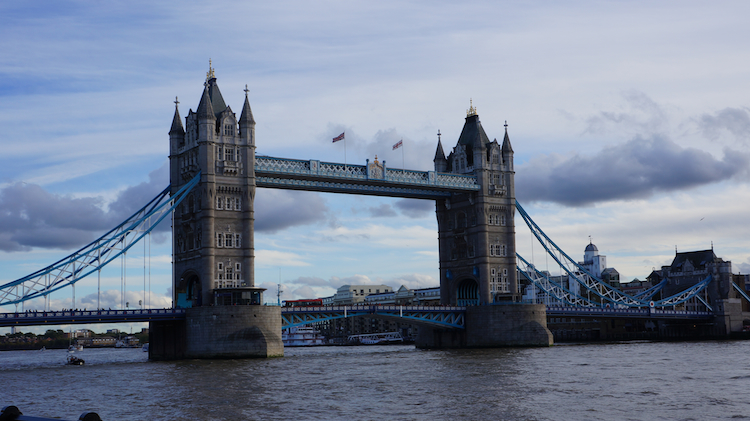 traveling to the tower bridge