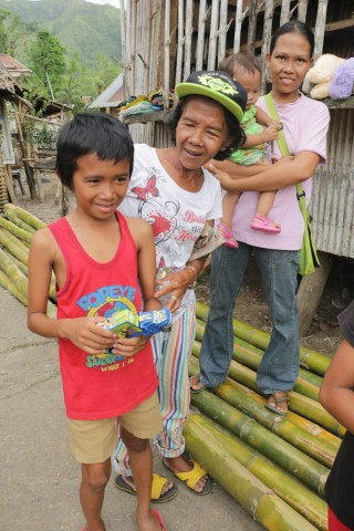 happy kids in philippines