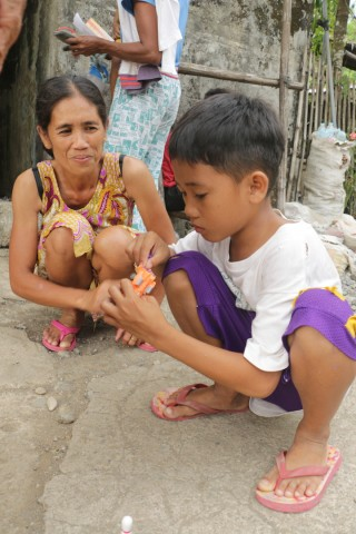 hopeful mother in philippines
