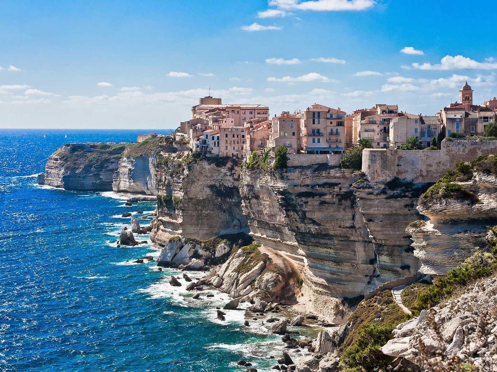 Kết quả hình ảnh cho limestone cliffs